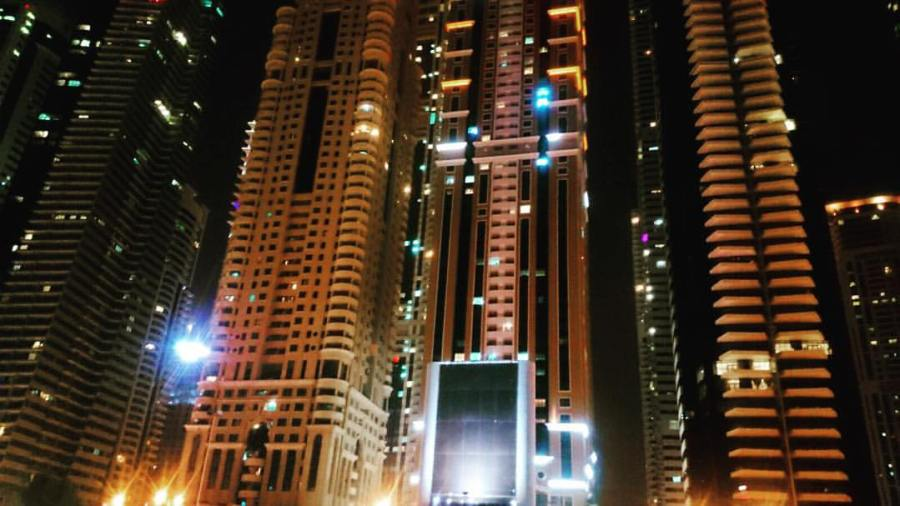 123_dubai_at_night